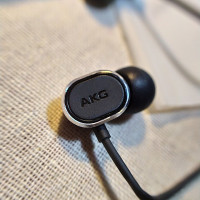 AKG N28 HiFi In-ear Original Wired Headset with Control & Microphone