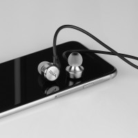 RHA MA750i: Noise Isolating Premium In-Ear Headphones with Remote and Microphone
